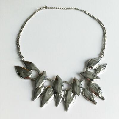 Leveles antikolt ezüst hatású bizsu nyaklánc